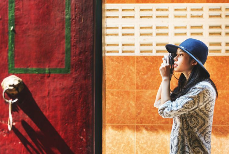 solo-travel-woman-photo-shutterstock_735089737