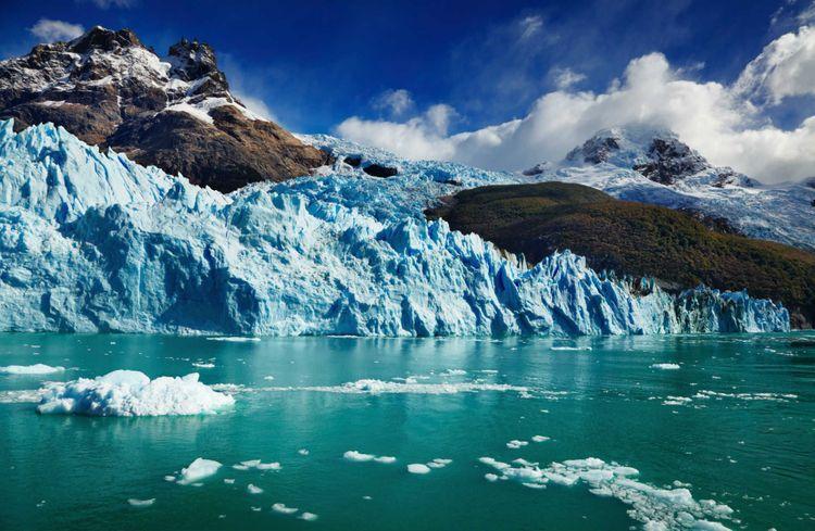 spegazzini-glacier-argentiono-lake-patagonia-argentina-shutterstock_100639840