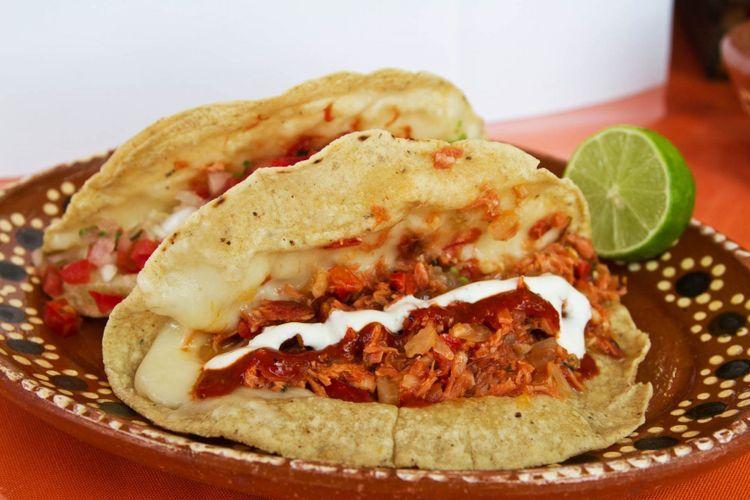Marlin fish tacos © Ger Aguilar/Shutterstock