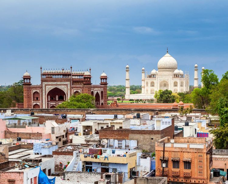 taj-mahal-india-shutterstock_129421841