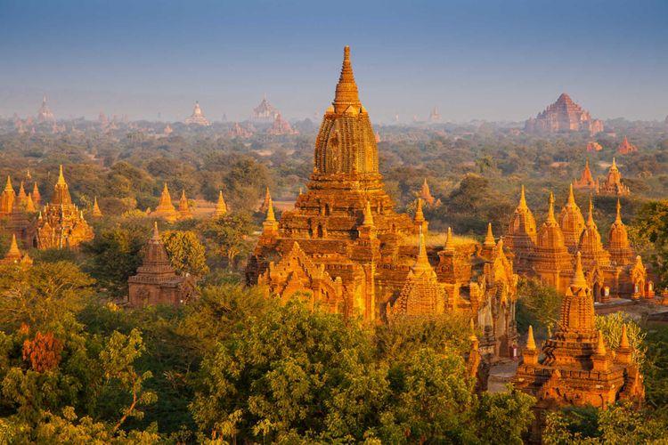 temples-bagan-myanmar-shutterstock_127018604