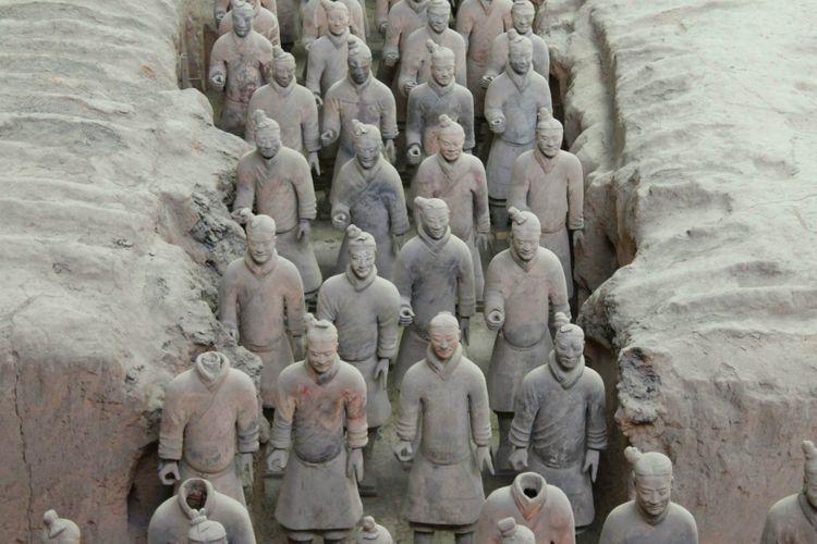 terracotta-warriors-army-china-shutterstock_474526192