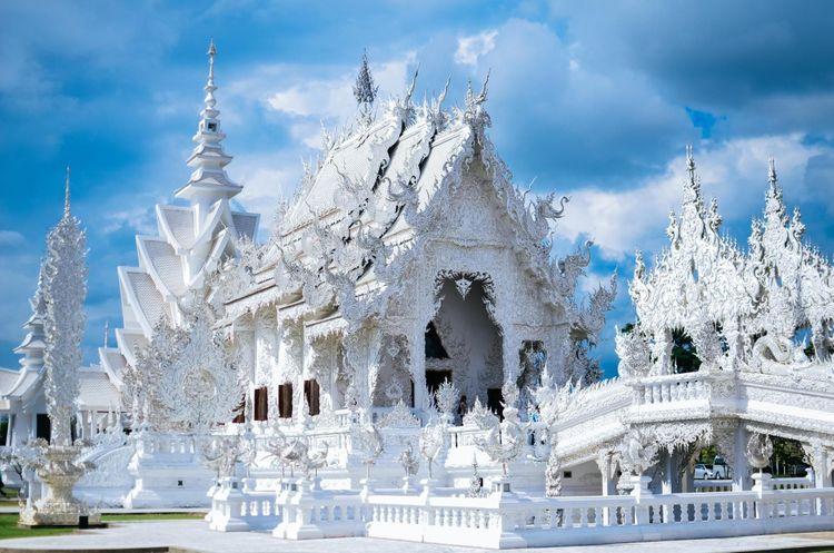 thailand-wat-Rong-Khun-shutterstock_641810317