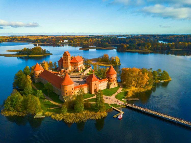 trakai-castle-lithuania-shutterstock_762676237