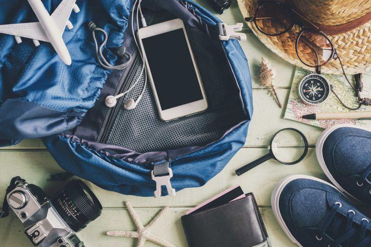 travel-accessories-shutterstock_519319525