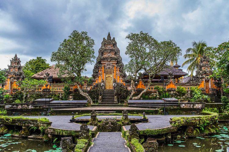 Pura Taman Kemuda Saraswati Temple in Ubud, Bali island, Indonesia © Pelikh Alexey/Shutterstock