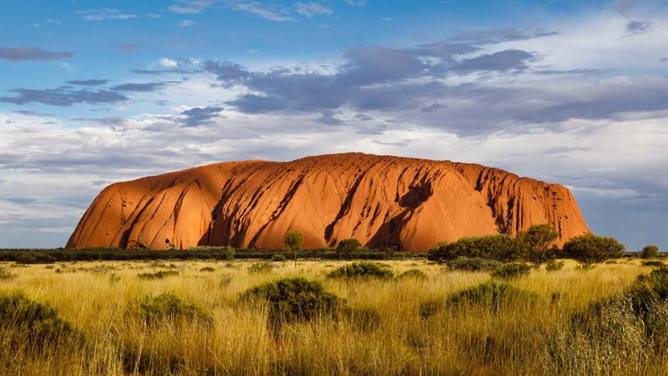 Uluru, Ayers Rock, Australia © Uwe Aranas/Shutterstock