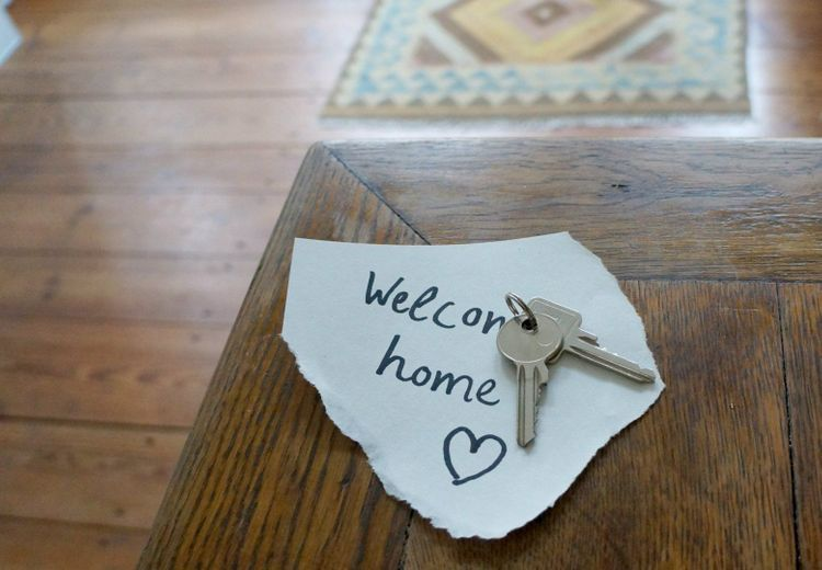 welcome-home-keys-shutterstock_1165687150