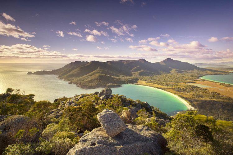 Wineglass Bay Freycinet, Tasmania @ Shutterstock