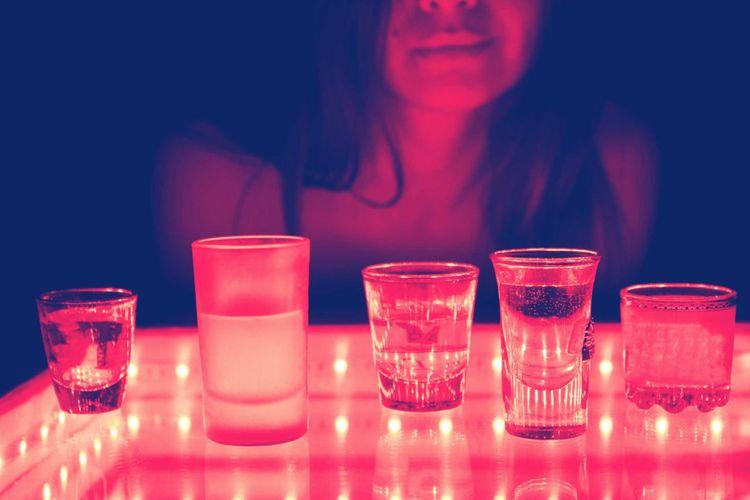 woman-bar-glass-club-barmen-shutterstock_679461691