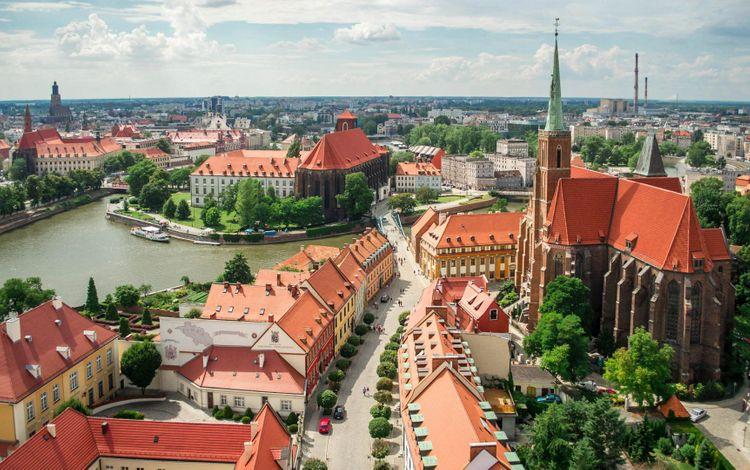wroclaw-poland-shutterstock_244650346
